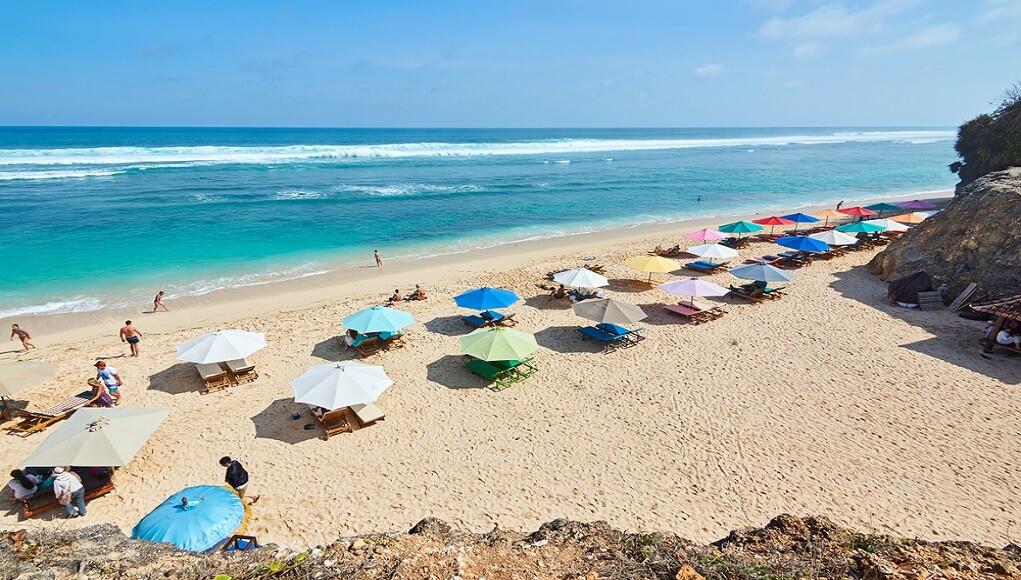 Keindahan Pantai Melasti Di Bali